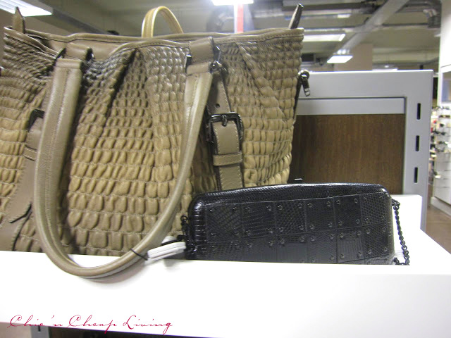 burnerry outlet nie1  Burberry ruched bag by Chic n Cheap Living