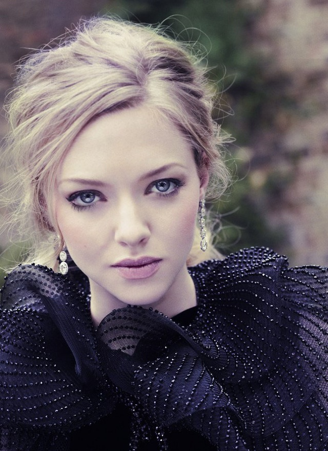 country Amanda Seyfried in black embellished gown for Vanity Fair December 2012 - saved by Chic n Cheap Living