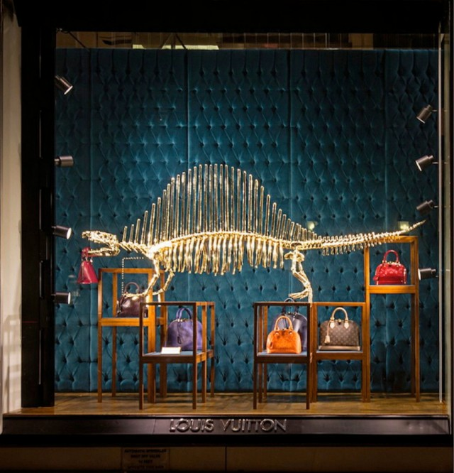 Louis Vuitton dinosaur and bags des Champs-Elysées 2 floor view on Fubiz - saved by Chic n Cheap Living