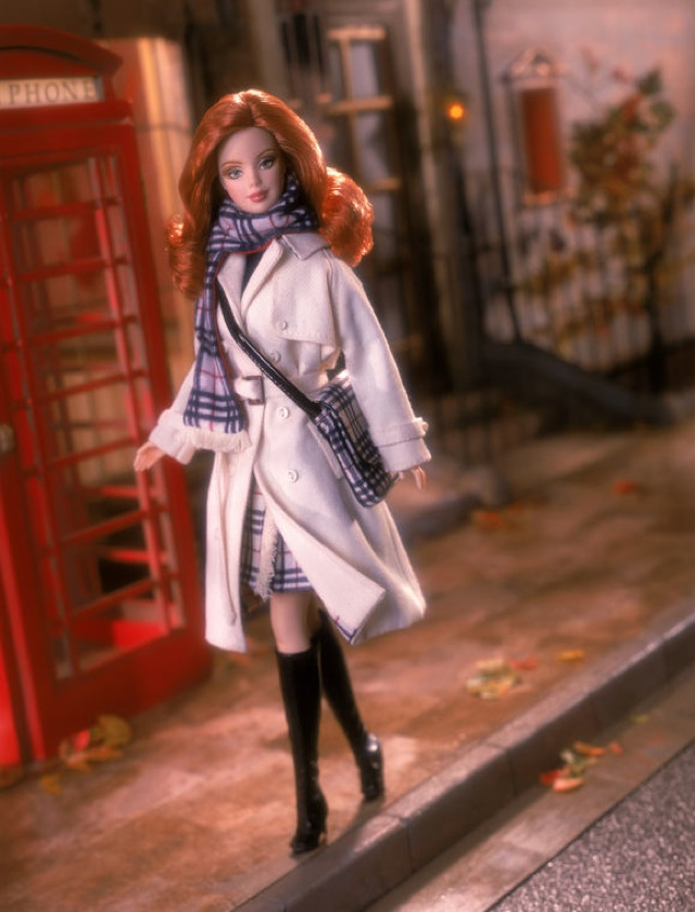 Barbie-Designer-Burberry