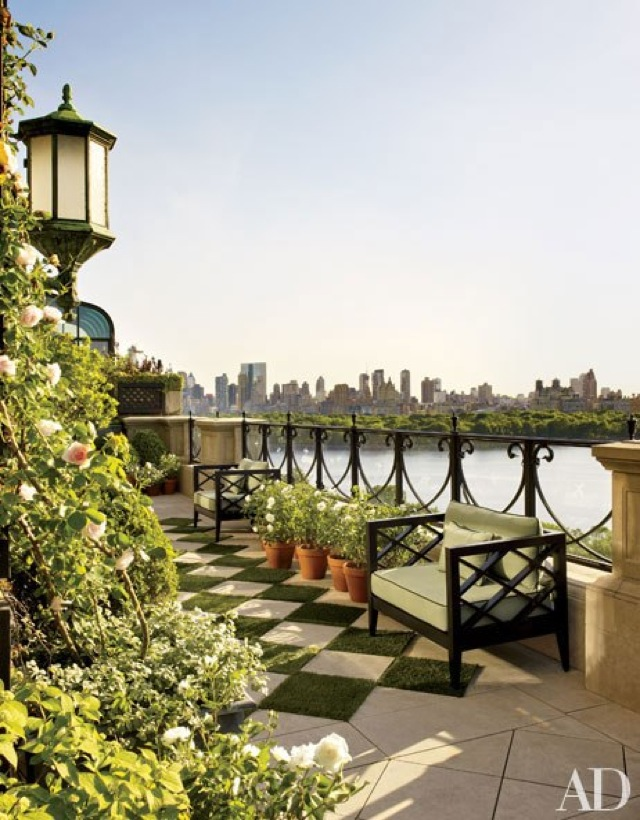 Bette midler 39 s new york home in architectural digest for Apartment overlooking central park