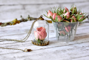 resity-pink rose necklaces
