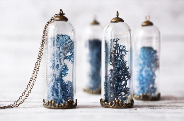 resity-blue tall dome flower necklaces
