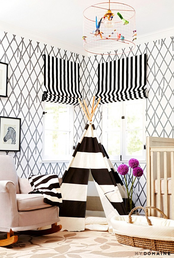 Black and white decor Graphic wallpaper via Naya Rivera nursery on Domaine