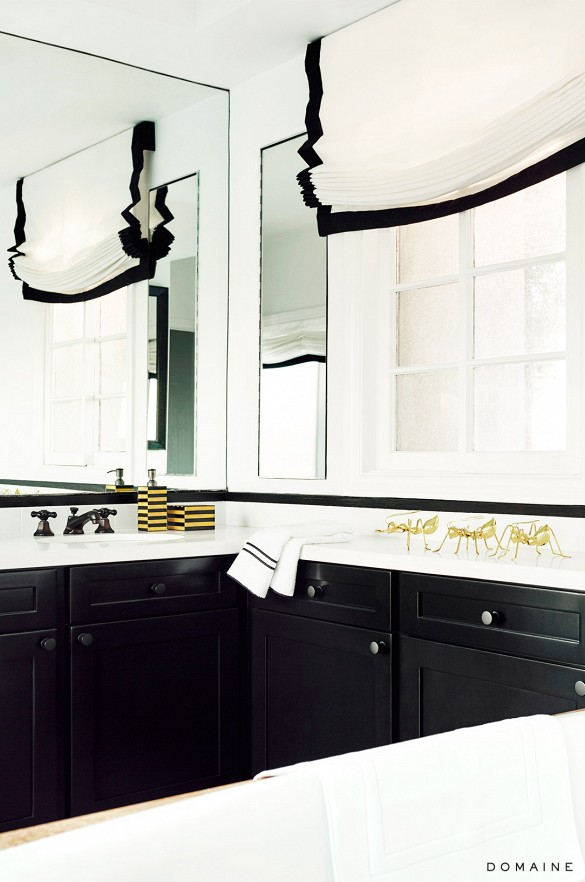 black and white decor bathroom Jessica Alba