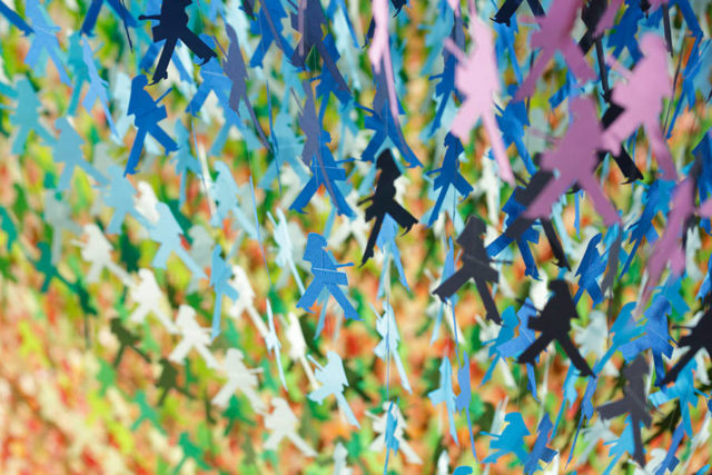 space-in-ginza-paper-silhouettes-by-emmanuelle-moureaux-all-colors