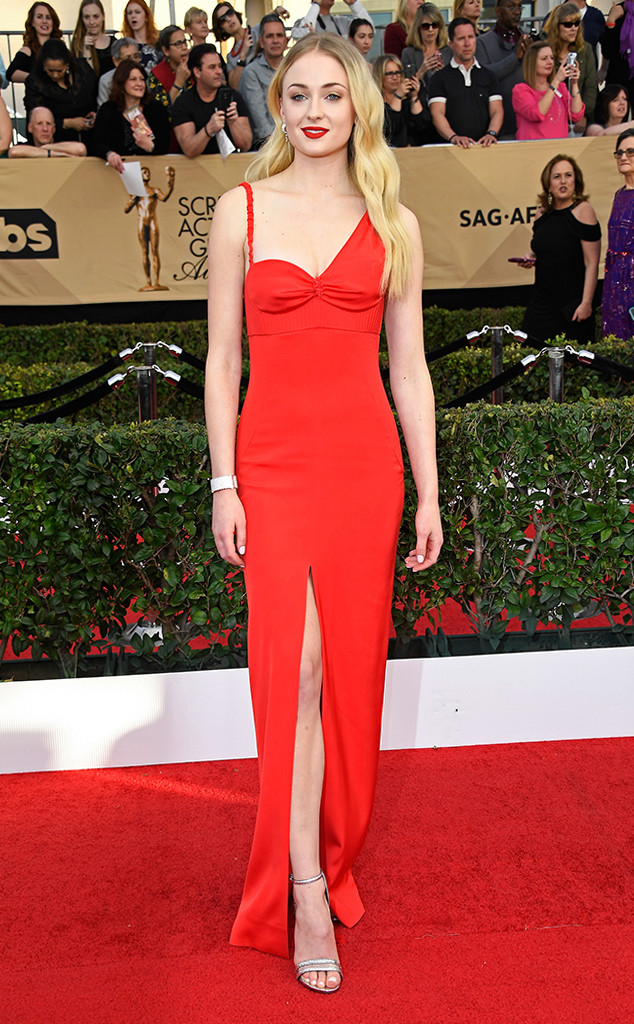 2017 SAG Awards Best Dressed - Sophie Turner in Louis Vuitton