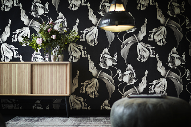 Ellie Cashman floral wallpaper twisting