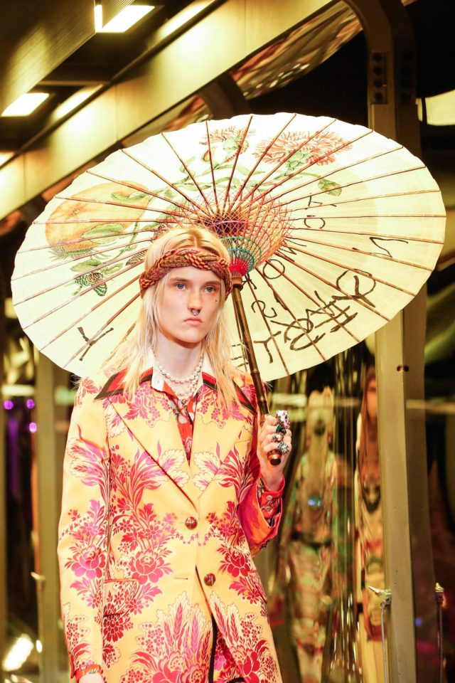 Gucci Autumn:Winter 2017 Ready-to-wear Details Asian parasol