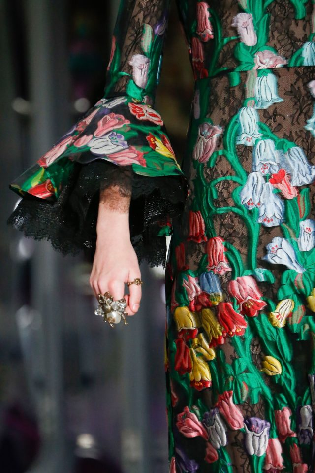 Gucci Autumn:Winter 2017 Ready-to-wear Details dress embroidery