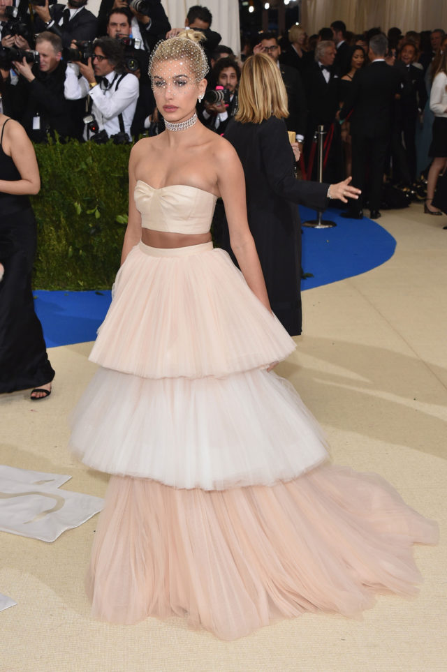 Met Gala 2017 best looks - Hailey Baldwin in Carolina Herrera