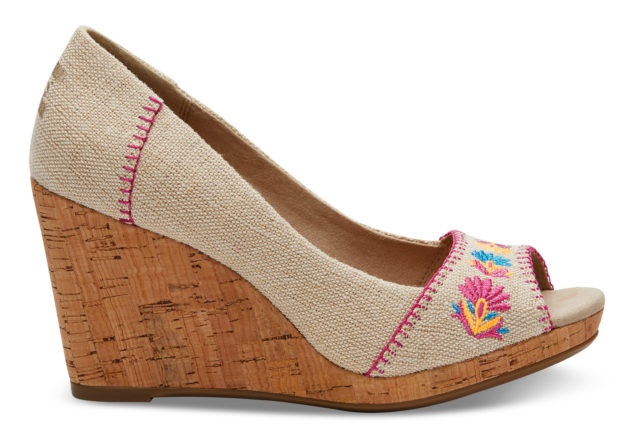Toms Exclusive Designs burlap embroidered women's stella wedges